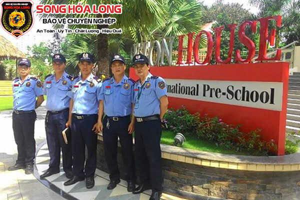 dịch vụ bảo vệ trường học